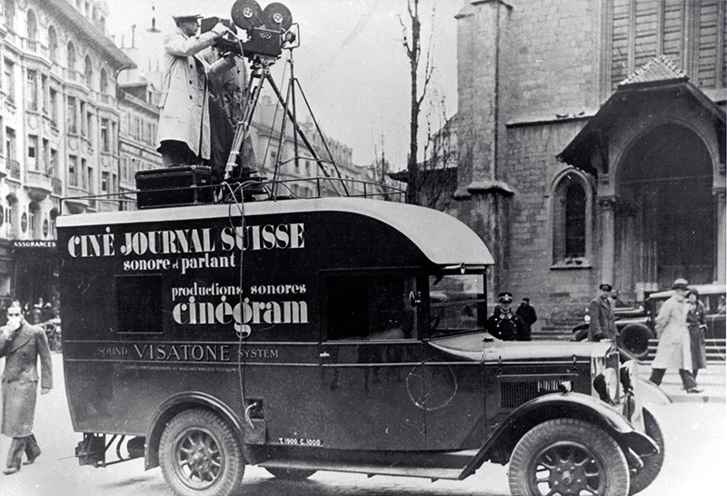 Fahrzeug des Ciné-Journal Suisse